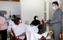 HALK EĞİTİM - Yenişehir Belediyesinden Vatandaşlara Ücretsiz Maske Ve Tulum
