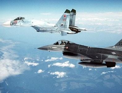 ABD'den Rus uçaklarına önleme!