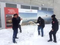 Antalya'nın 2 Bin 365 Metre Zirvesine Kar Düştü