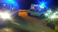 Manisa'da İki Otomobil Çarpıştı Açıklaması 6 Yaralı