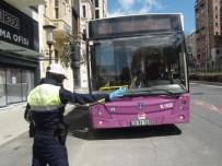 Tarlabaşı Bulvarı'nda Otobüslerde Korona Virüs Denetimi