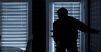 ARBEDE - Böyle hırsız görülmedi! Hırsızlığa girdiği evde yakalanınca bakın ne yaptı!