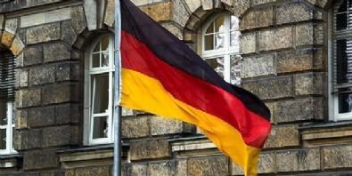 Almanya'da camiye mide bulandıran saldırı