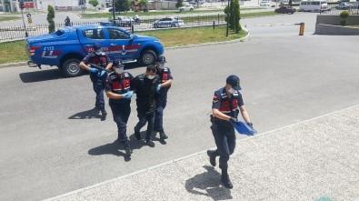 Karaman'da 5 Suçtan Aranan Cezaevi Firarisi Sahte Kimlikle Yakalandı