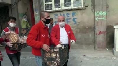 Türk Kızılaydan 1500 Aileye Pide Ve Gıda Yardımı