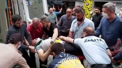 Artvin'de Üzerine Cam Düşen Kişi Yaralandı
