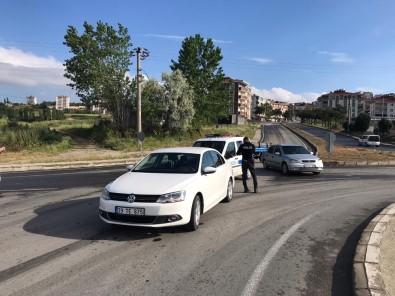 Hırsızlık İhbarına Giden Polisler Kaza Geçirdi