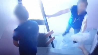 İstanbul'da kargocudan şok eden hareket! Apartmana tuvaletini yaptı