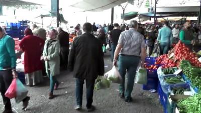 Karabük'te Vatandaşlar Bayram Öncesi Mezar Ziyareti Ve Alışveriş Yaptı