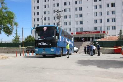 Karaman'da Test Sonuçları Negatif Çıkan 288 Kişiye Bayram Tahliyesi