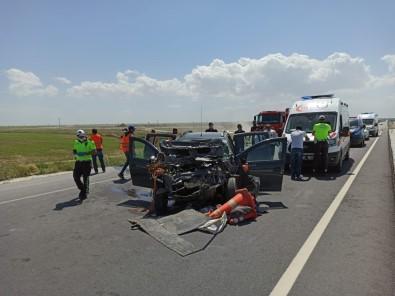 Otomobil Yol Denetim Kamyonetine Arkadan Çarptı Açıklaması 3 Yaralı