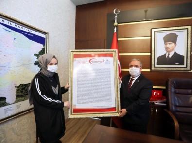 Vali Nayir Mektup Yarışması Türkiye Birincisini Makamında Ağırladı