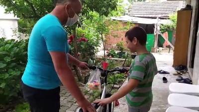 Bisiklet İçin Biriktirdiği Parayı Bağışlayan İlkokul Öğrencisine Esnaftan Bayram Sürprizi