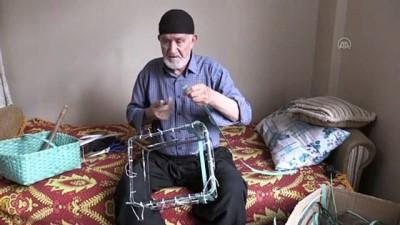 Evden Çıkamayan Osman Dede Atık Malzemelerden Sepet Yapmayı Öğrendi