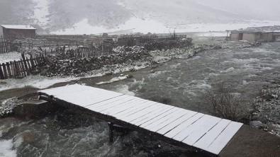 İkizdere İlçesi Yüksek Kesimlerinde Mayıs Ayında Kar Yağışı