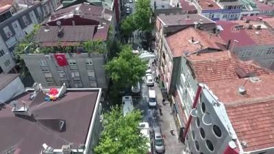İstanbul'daki İki Komşu İlçe Belediyesi Bando Eşliğinde Ortak Temizlik Yaptı