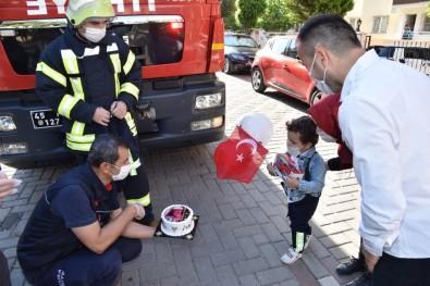 İtfaiyecileri Çok Seven Minik Batuhan'a Sürpriz Doğum Günü