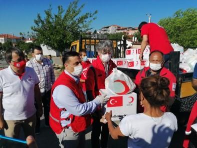 Kızılay'dan Roman Vatandaşlara Gıda Yardımı