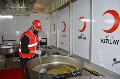 Kızılay Ramazan'da Yardımlarıyla Binlerce İnsana El Uzattı