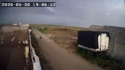 Konya'daki Fırtına Nedeniyle Çiftlik Çatısının Uçtuğu Anlar Görüntülendi