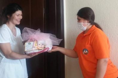 Kuyucak Belediyesi 'Hoş Geldin Bebek' Ziyaretlerini Aksatmıyor