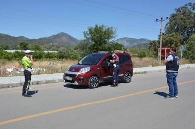 Muğla'da Jandarma Ve Polis Ekiplerinden Ortak Denetim
