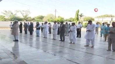 Pakistan'daki Uçak Kazasında Ölenler İçin Cenaze Töreni Düzenlendi