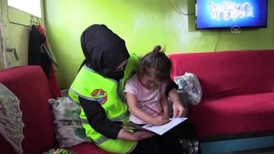 Türk Kızılay Ev Ev Dolaştığı Çocukları Bayramlıklarla Sevindirdi