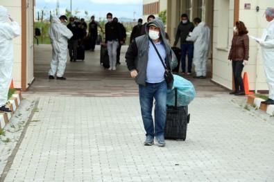 Yozgat'ta Gözetim Süreleri Dolan 205 Kişi Memleketlerine Uğurlandı