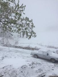 KAR YAĞıŞı - Antalya'ya yağan kar şaşkına çevirdi!