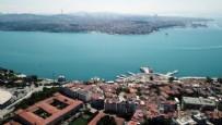 İSTANBUL BOĞAZI - İstanbul Boğazı renk değiştirdi! Havadan görüntülendi...