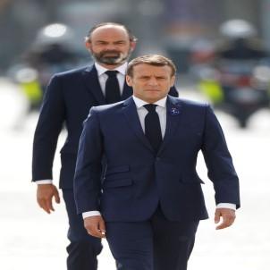 Fransa'da Macron'un popülaritesini düşürdü