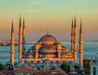 İstanbul'da cuma namazı kılınacak camiler belli oldu!