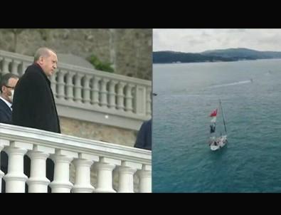 Milli sporcular '29 Mayıs İstanbul Boğazı Saygı Geçişi' kapsamında Başkan Erdoğan'ı selamladı