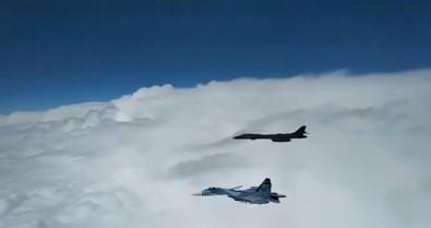 Rus-ABD uçakları arasında tehlikeli gerginlik!