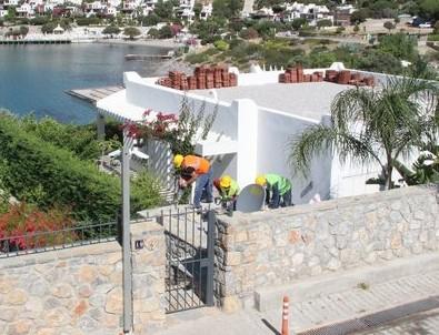 Yılmaz Özdil'in kaçak villasının yıkımına başlandı!