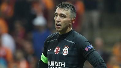 Galatasaray'da Muslera şoku! Zorunlu ayrılık...