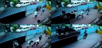 Kısıtlama Gününde Top Oynayan Çocuklar Polisi Görünce Böyle Kaçtı