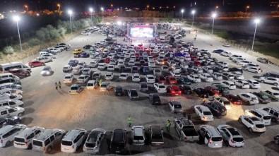 Nevşehir'de Yüzlerce Araç 'Arabalı Sinema Günleri' Nde Buluştu
