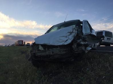 Şanlıurfa'da Trafik Kazası Açıklaması 1 Ölü, 1 Yaralı