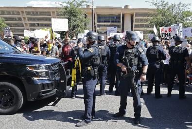 Teksas'ta Protestolar Nedeniyle OHAL İlan Edildi