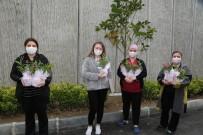 Eyüpsultan'da Sağlık Çalışanı Annelere Sürpriz 'Anneler Günü' Kutlaması