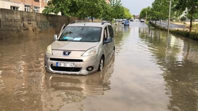 Tekirdağ'da Şiddetli Yağış Açıklaması Araçlar Suya Gömüldü