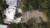 KAÇAK - Firari Can Dündar'ın villasının kaçak bölümü yıkıldı, geride ormana verdiği tahribat kaldı!