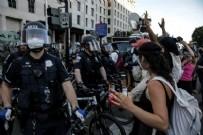 WASHINGTON - ABD'de George Floyd'un öldürülmesinin ardından başlayan protestolar şiddetlendi!
