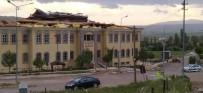 Kuvvetli Rüzgar Adalet Sarayının Çatısını Uçurdu