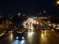 Maltepe'de Zincirleme Trafik Kazası Açıklaması 1 Yaralı
