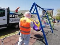 Tatvan'da Parklar Ve Oyun Grupları Dezenfekte Ediliyor