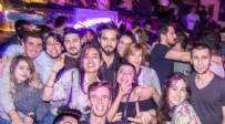 STRAZBURG - İYİ Parti Genel Başkanı Meral Akşener'in 'işsiz' diye kürsüye çıkardığı gencin yurt dışında lüks eğlence mekanlarında fotoğrafları çıktı
