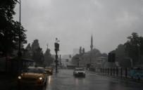 YAĞIŞ UYARISI - İstanbul dün sele teslim oldu! İşte facianın ardından bu sabahki manzara